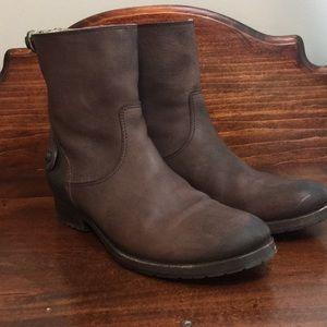 FRYE Melissa Button Back Zip Short Boots Brown